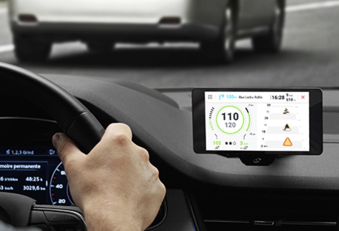 L'appli Coyote annonce sa compatibilité à venir avec CarPlay iPhone 1