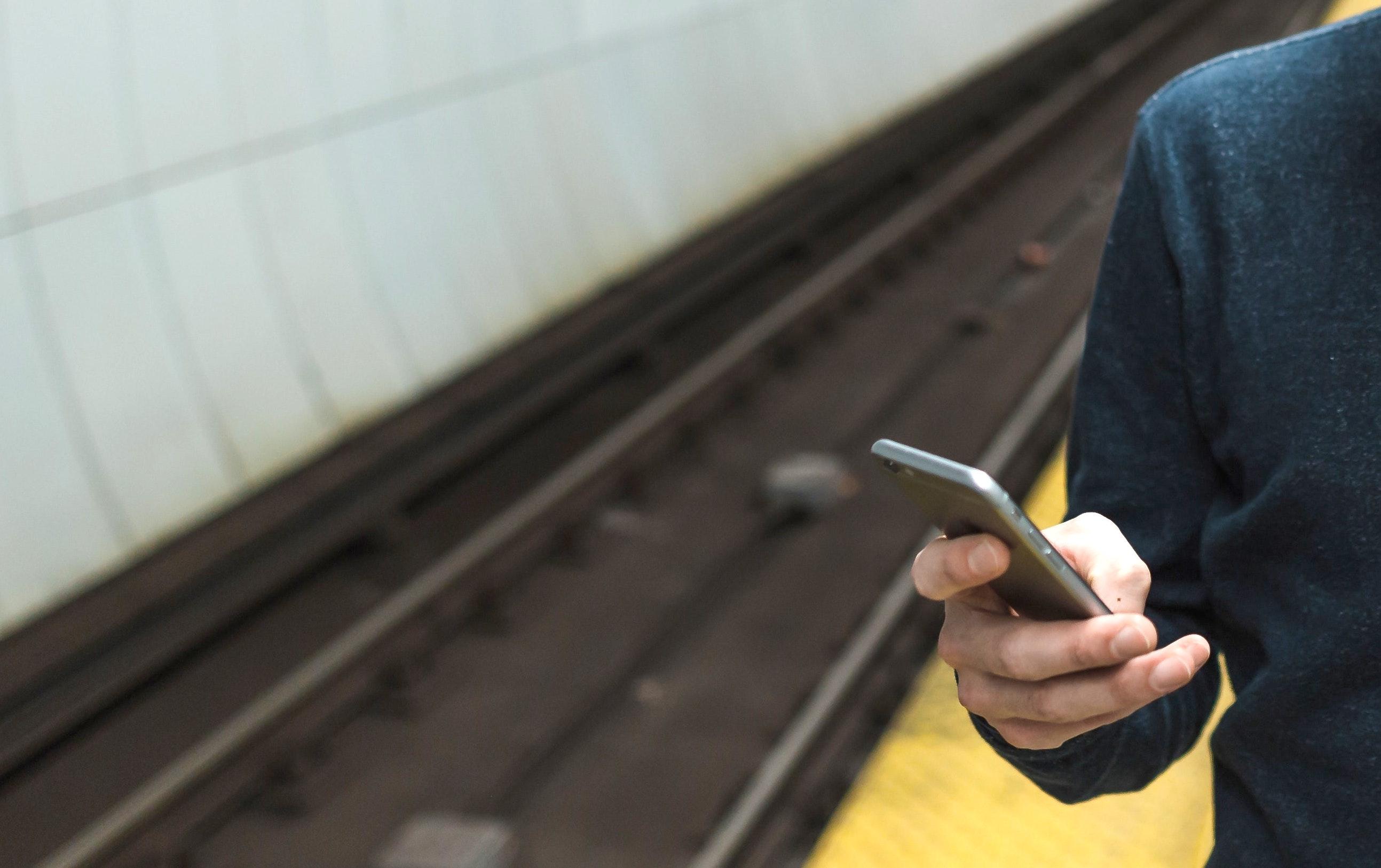 Le ticket Navigo embarque sur smartphone, mais pas sur l'iPhone, pour le moment ? 1