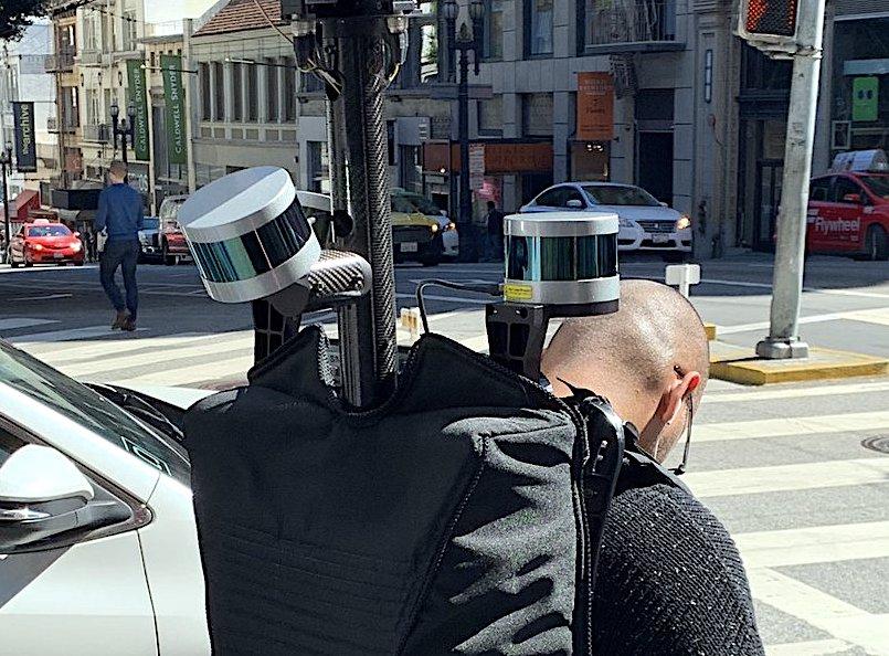 Après les voitures Apple bardées de caméra, voici les piétons avec sac à dos 1