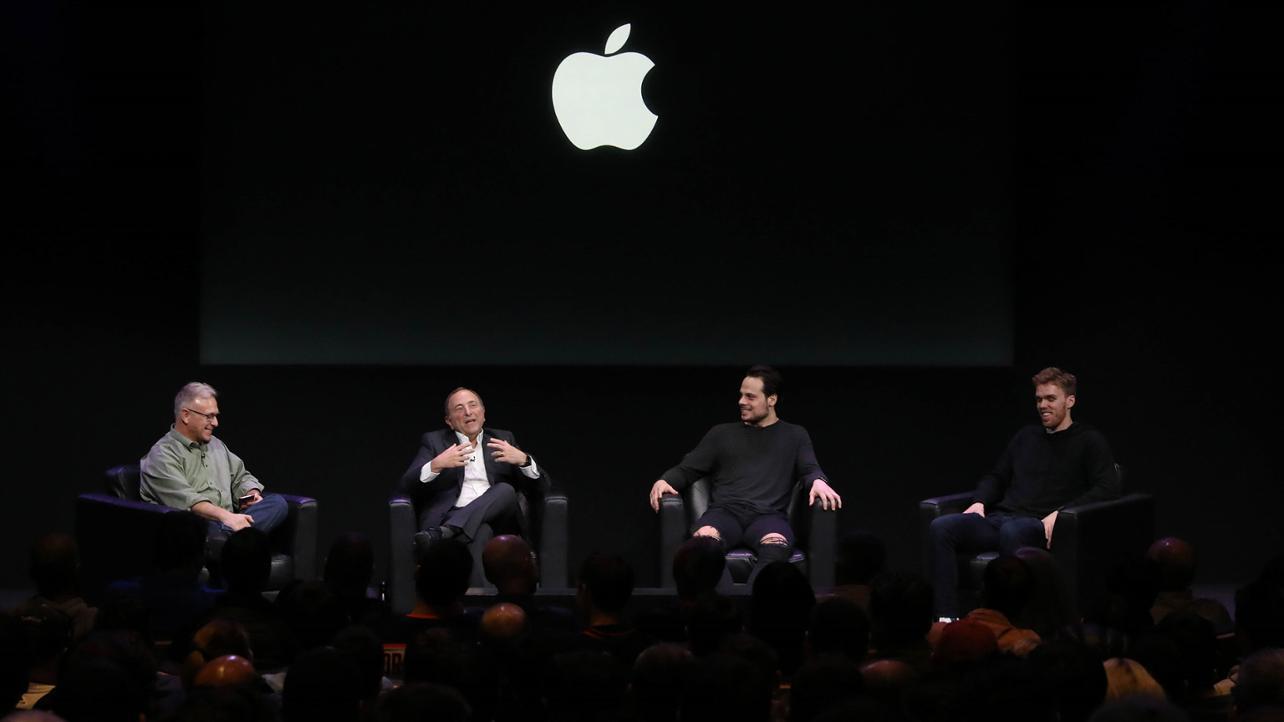 """Apple fournit une app de stats """"temps réel"""" à la ligue de Hockey US et reçoit ses joueurs à domicile 1"""