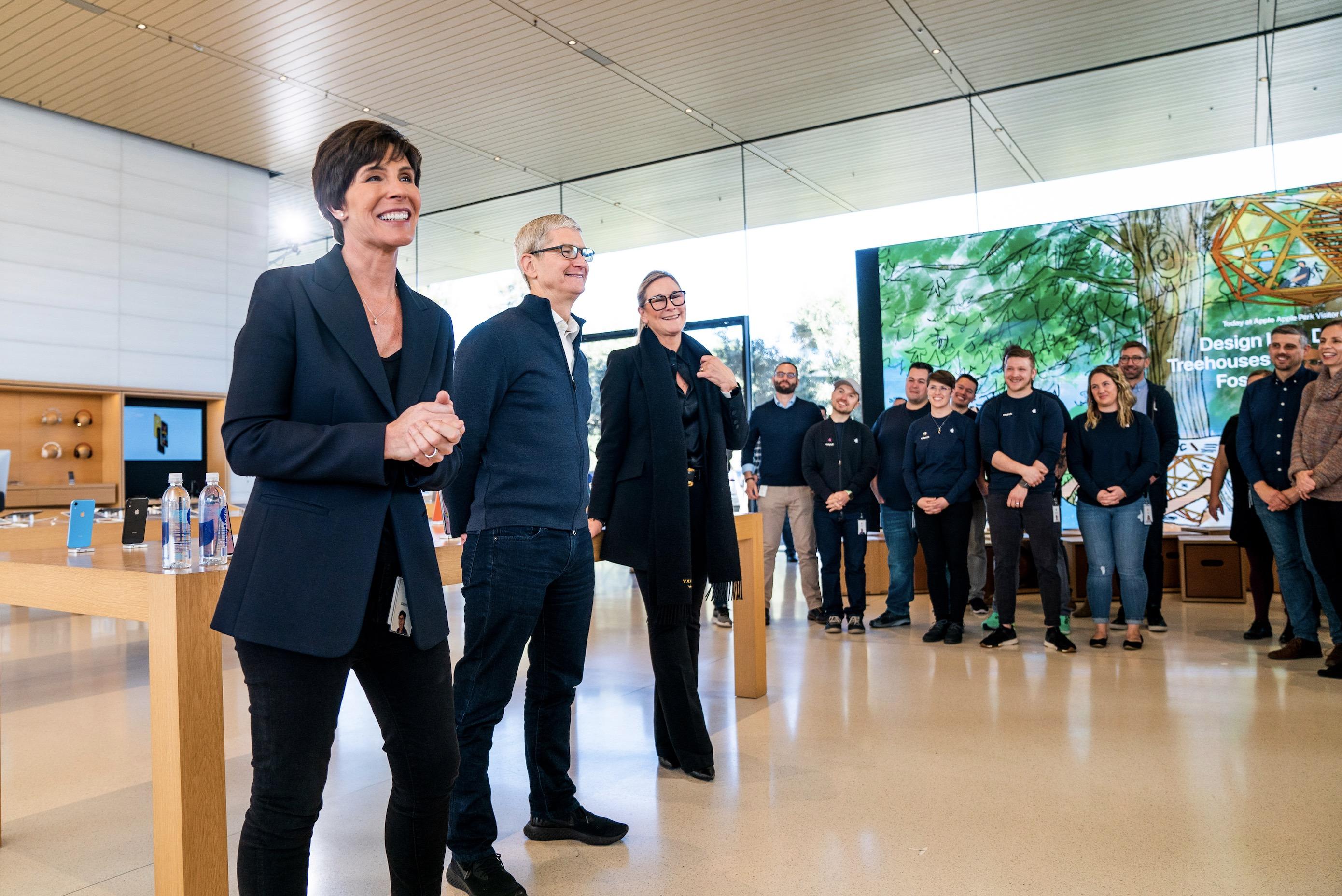 Départ surprise : Angela Ahrendts, responsable des Apple Store et de leurs équipes, quitte Apple 1