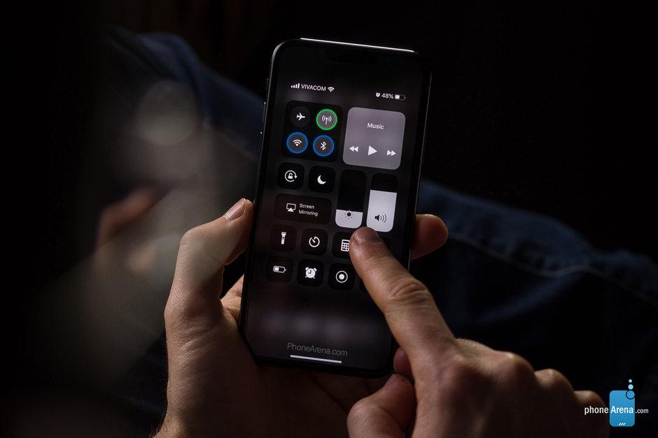 Des rendus pour imaginer un mode «sombre» d'iOS 13 sur iPhone 2019 1