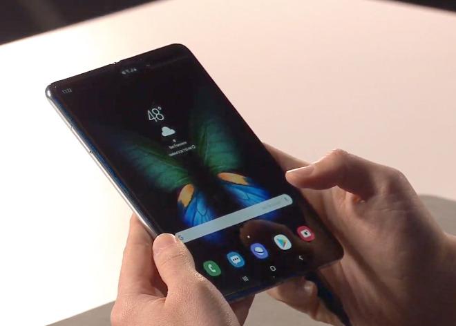 Les pré-commandes du Galaxy Fold, le smartphone pliable de Samsung, annulées... Sauf pour les plus accros 1