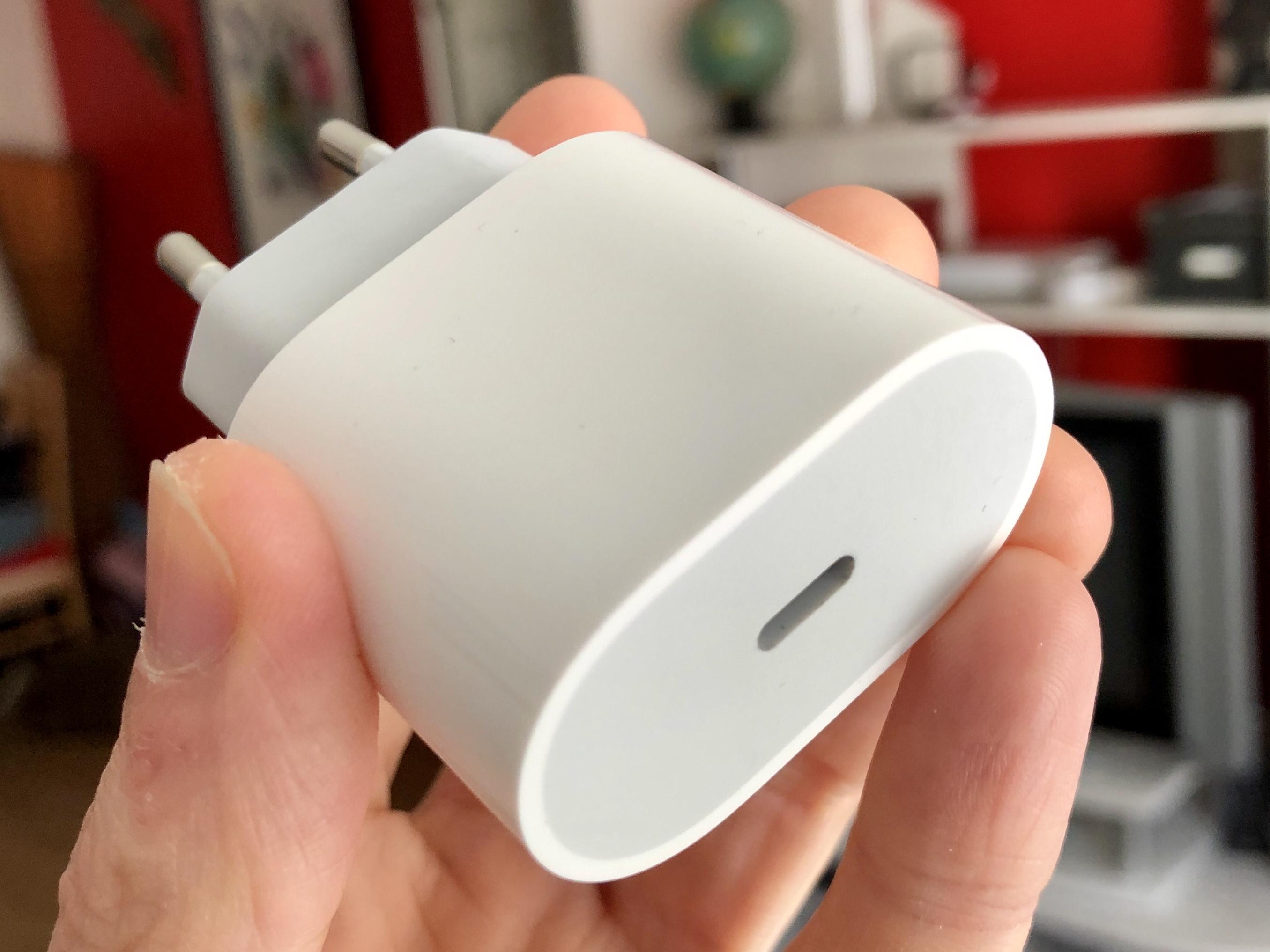 Enfin un chargeur plus puissant pour les iPhone 2019, avec câble USB-C/lightning ? 1