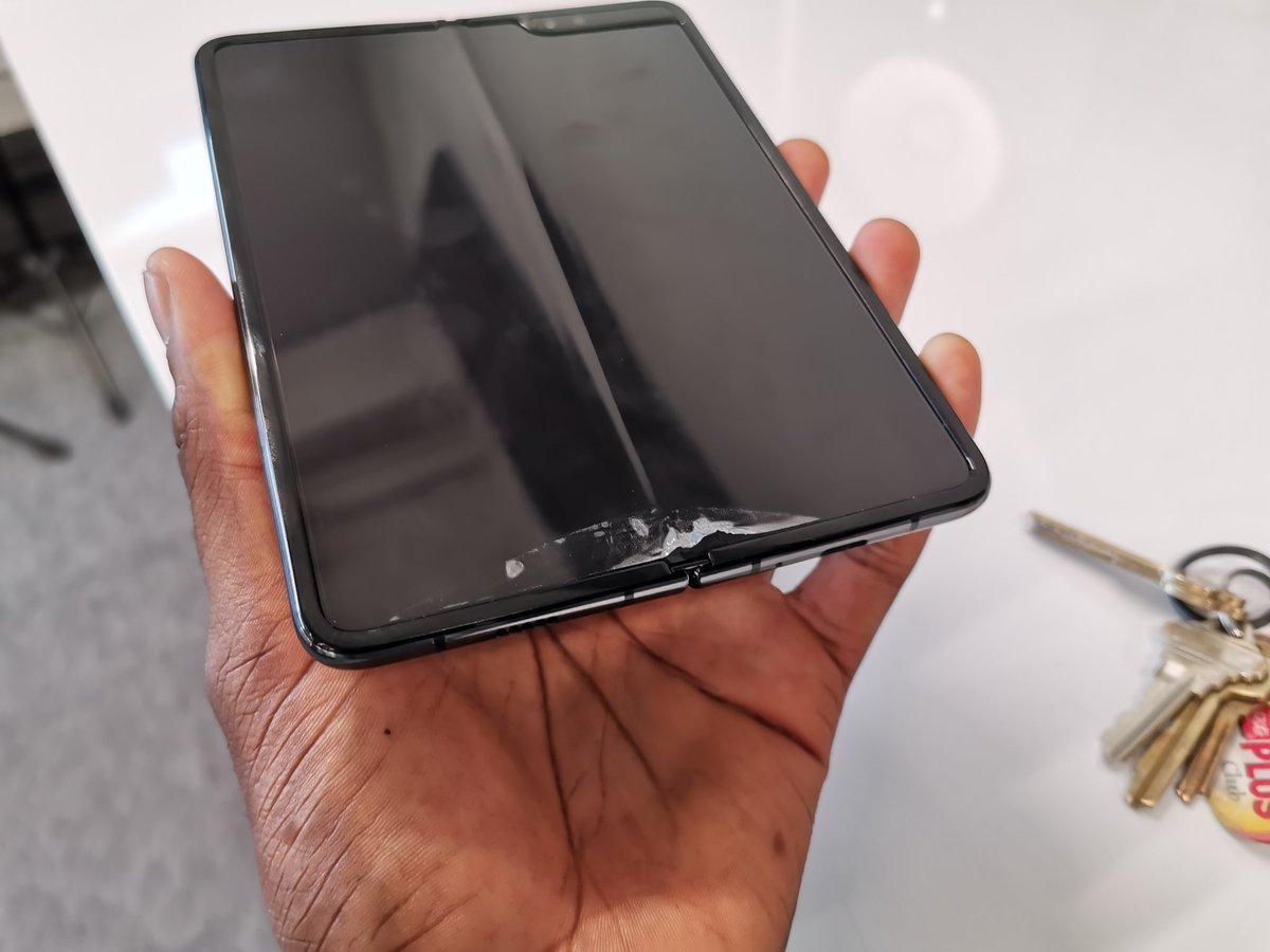 Deux jours après l'arrivée des Samsung pliables chez les testeurs ... Déjà de la casse ! 1