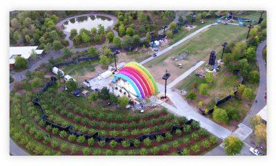 On sait désormais pourquoi (et comment) Jony Ive a construit l'arche multicolore qui trône au centre de l'Apple Park 4