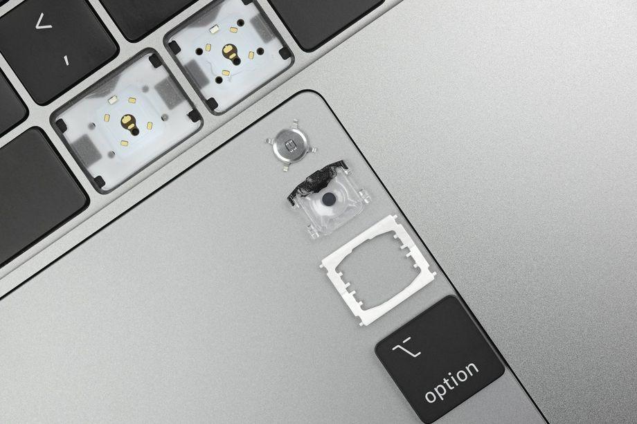 """Quels changements pour le clavier """"papillon"""" des tout nouveaux MacBook Pro ? Démontage et photos 1"""