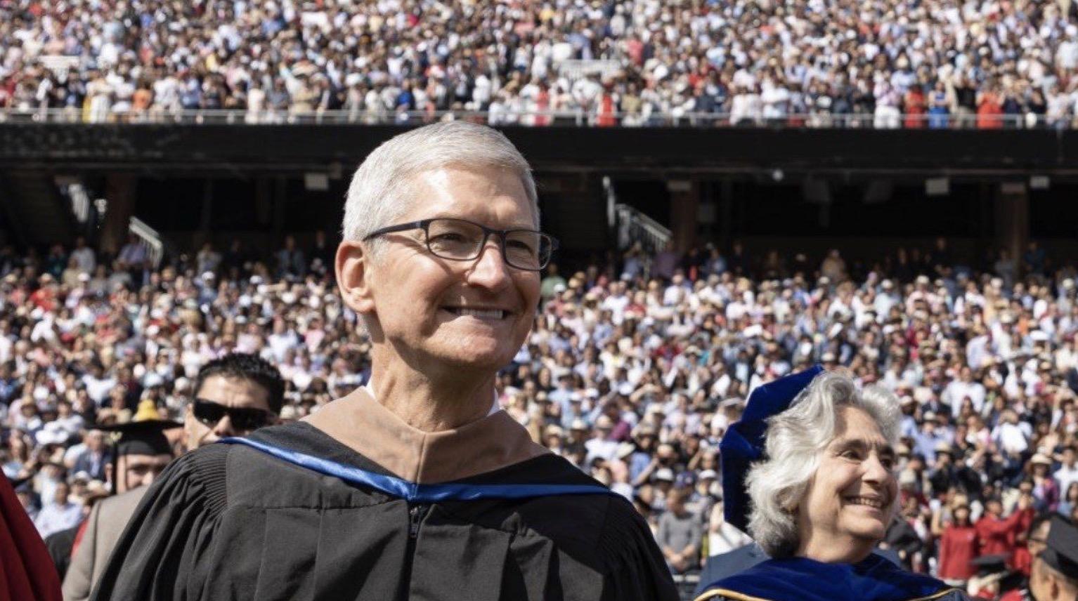 14 ans après Steve Jobs, Tim Cook prononce un discours à Stanford et encourage la responsabilité des entreprises 1