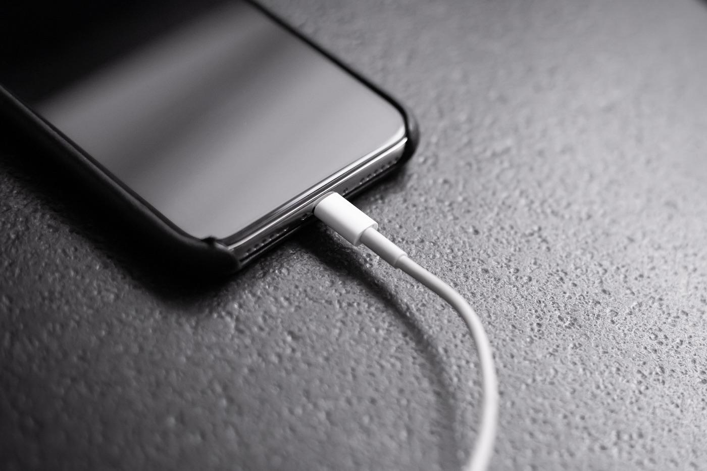 Chargeurs et câbles bas de gamme sans certification MFi : quels risques pour l'iPhone ? 1