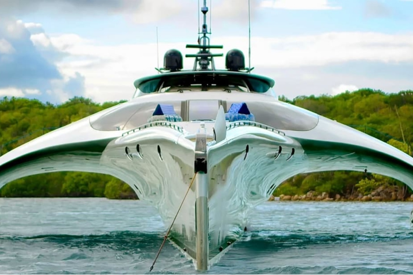 Un yacht futuriste de 15 millions de dollars, pilotable à l'iPad 1