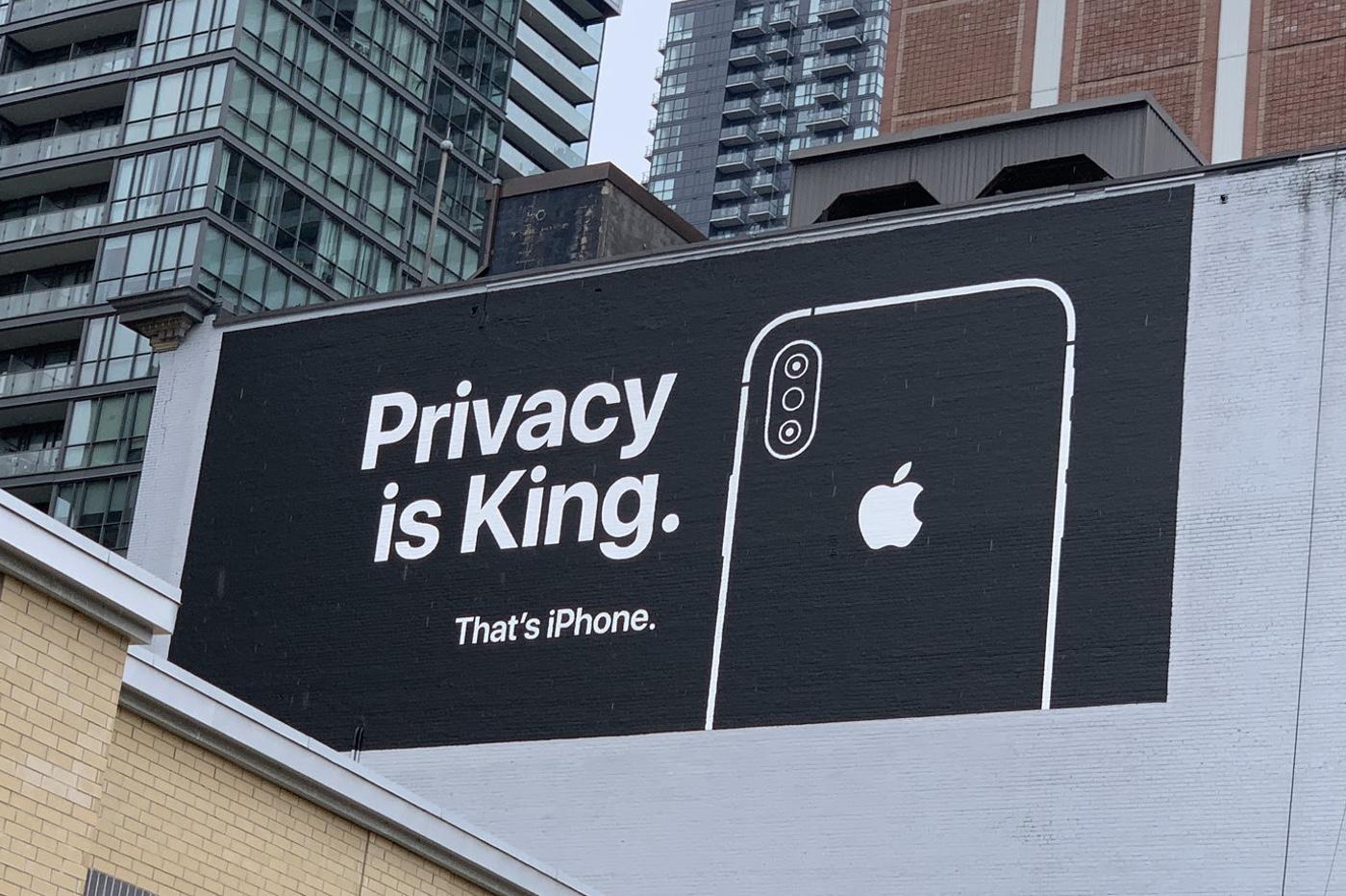 Apple nargue Google avec deux panneaux publicitaires (photos) 1