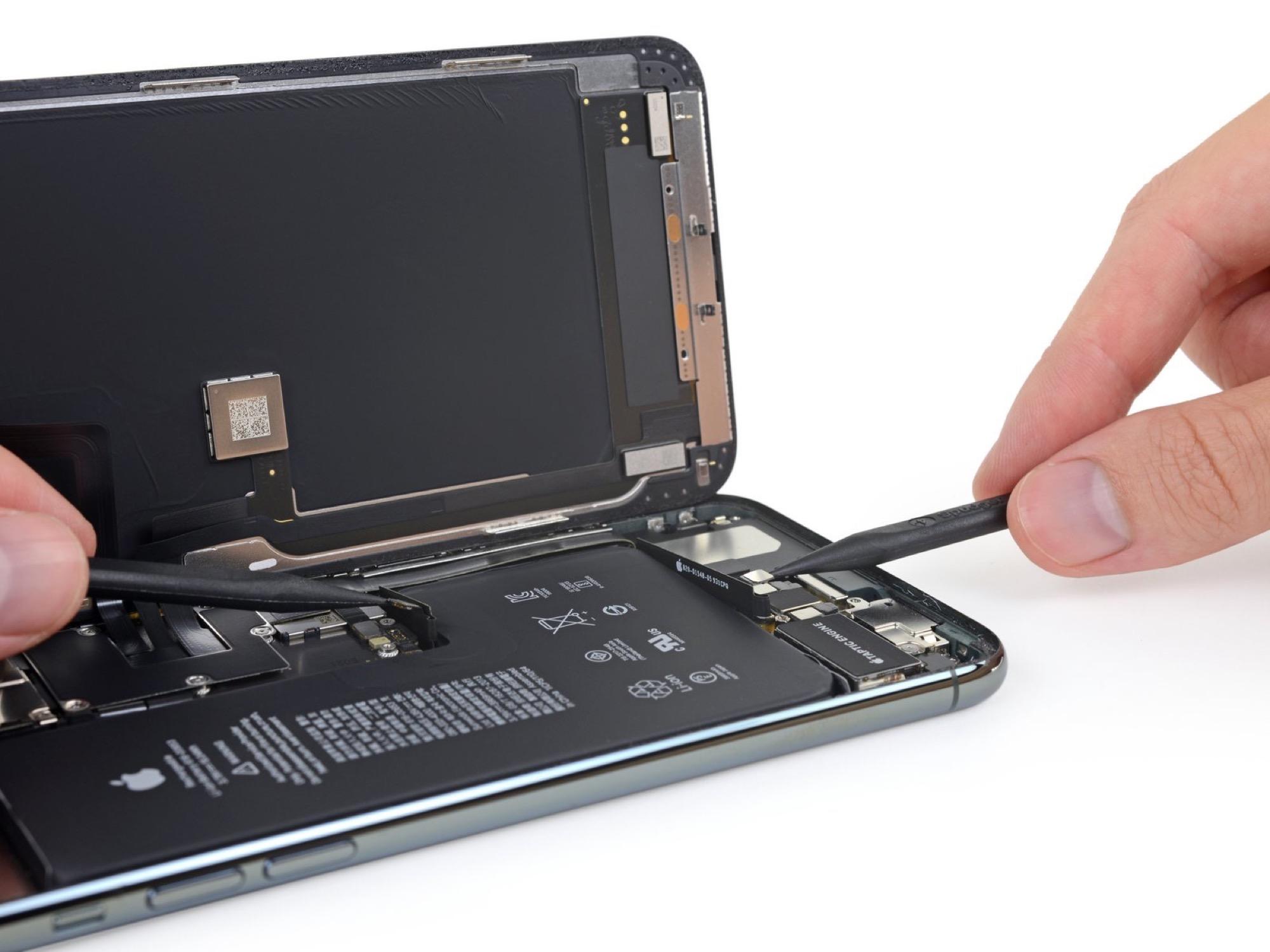 iFixit démontage batterie iPhone 11 Pro