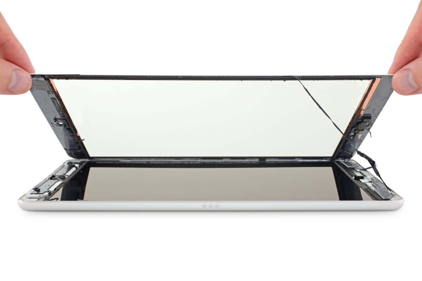 Démontage écran iPad 10,2 pouces