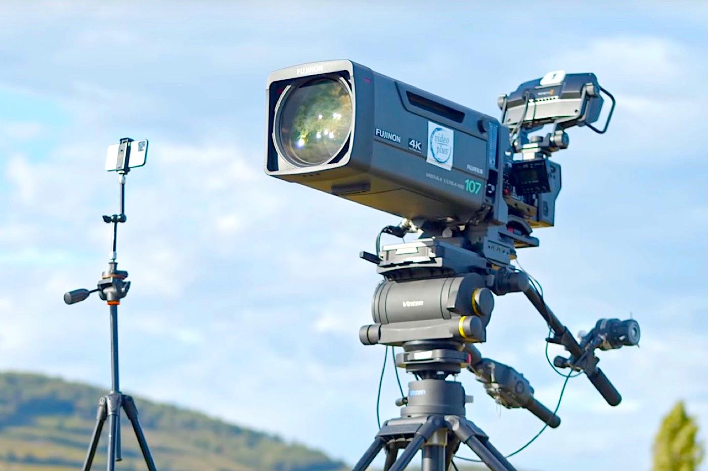 iPhone 11 Pro versus caméra TV