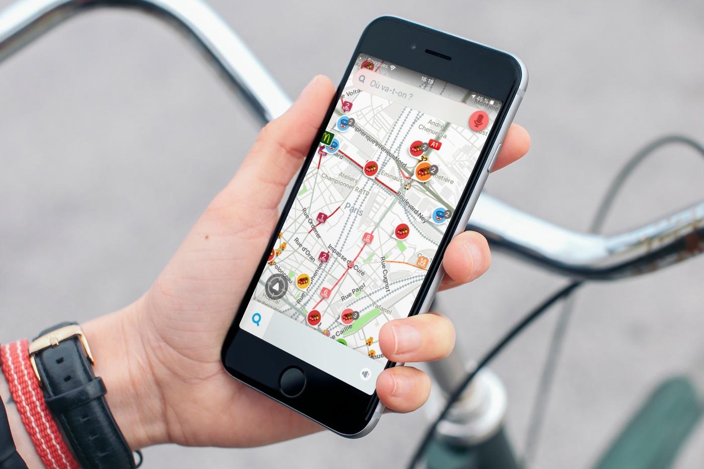 iPhone Waze vélo
