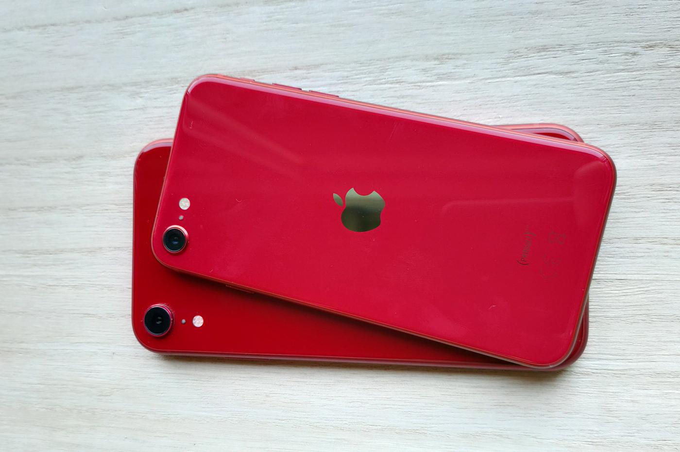 iPhone SE iPhone XR