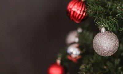Boules et sapin de Noël