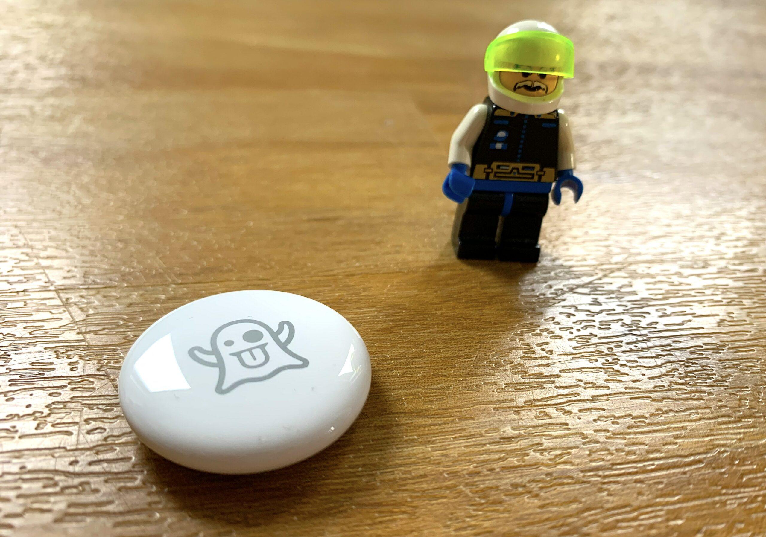 Apple AirTag and Lego