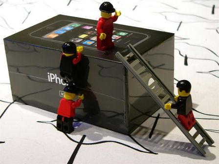 lego-iphone-0.jpg