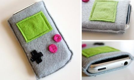 game-boy-iphone-pouch_1.jpg