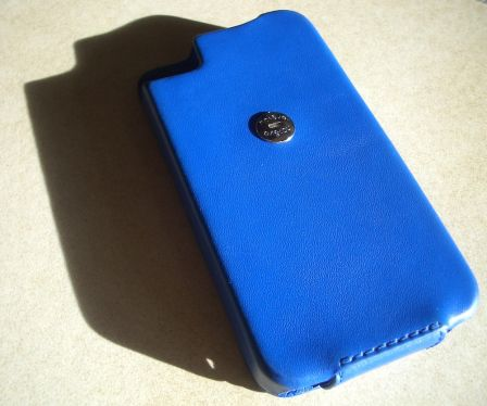 etui-iphone-4s-noreve-cuir-signature-2.jpg