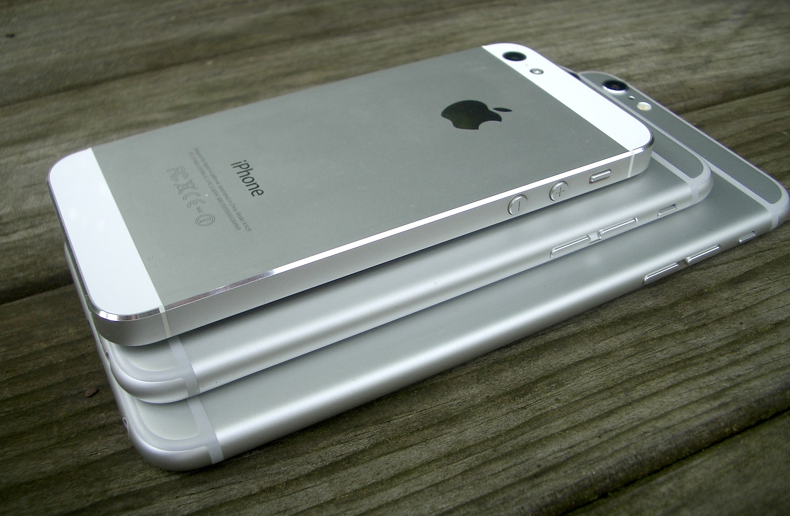 comparaison iphone se iphone 6