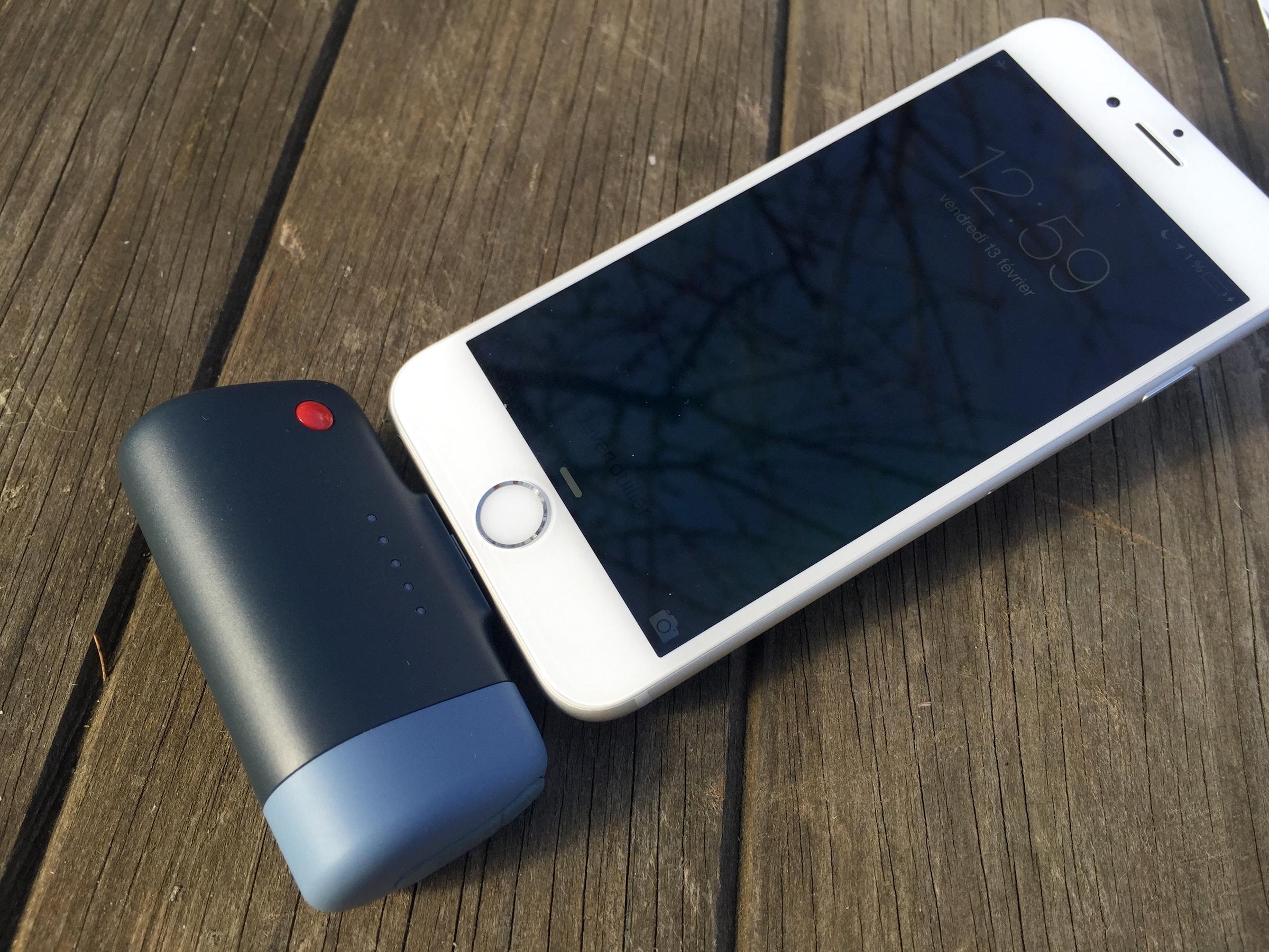 test de la batterie iphone de poche power clip de emtec 2600 ma iphone x 8 ipad et apple. Black Bedroom Furniture Sets. Home Design Ideas