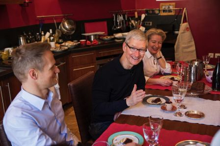 tim-cook-paris-vizeat.jpg