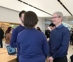 tim-cook-visite-apple-store-marseille-photo-video.jpg