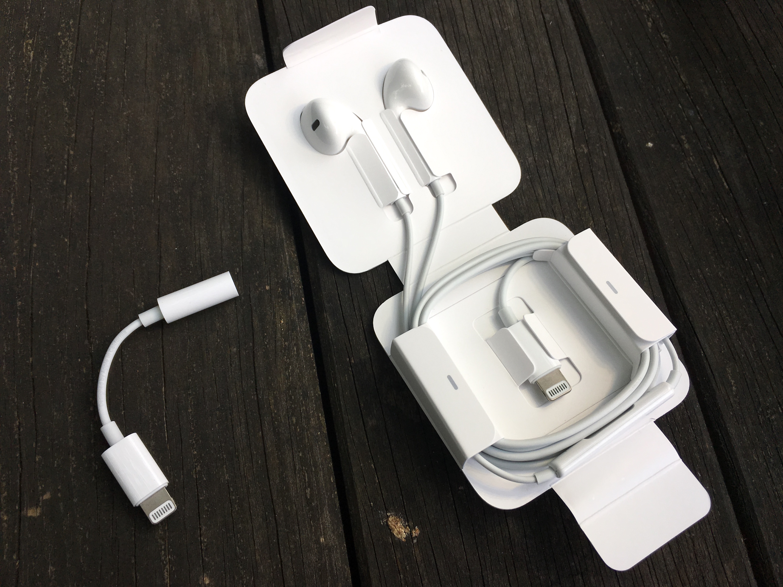 nouveaux macbook pro iphone 7 prise casque tout sur le m li m lo de c bles chez apple. Black Bedroom Furniture Sets. Home Design Ideas