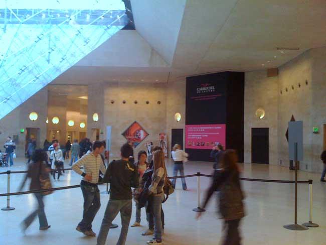 L 39 Apple Store Du Carrousel Du Louvre Iphone X 8 Ipad