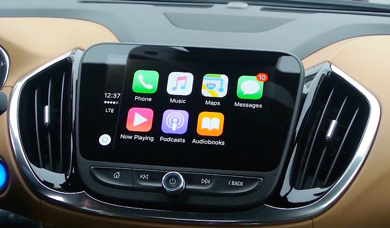 l 39 iphone et carplay sur un cran capacitif 8 pouces a donne a. Black Bedroom Furniture Sets. Home Design Ideas