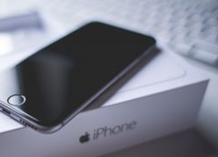 iphone-black.jpg