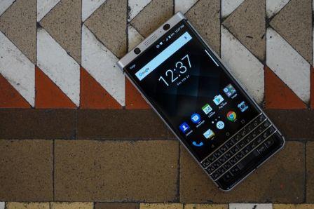 nouveau-blackberry-keyone-clavier-physisque-mwc-2017-4.jpg