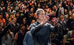 tim-cook-charity-buzz-vente-aux-encheres-2.jpg