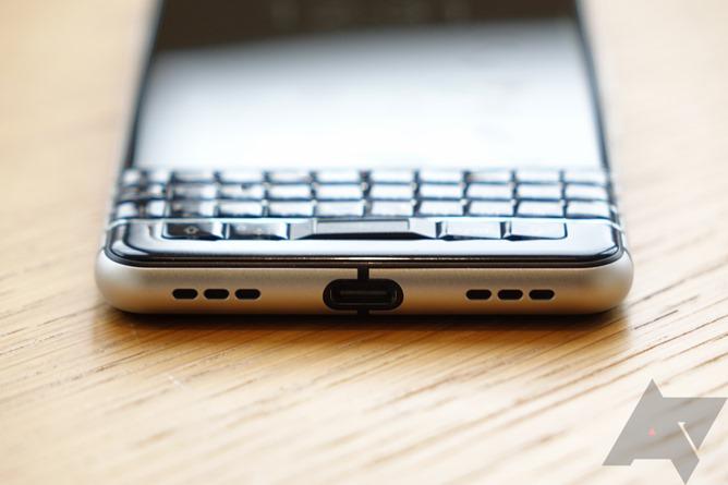 blackberry a pr sent son nouveau smartphone clavier le keyone. Black Bedroom Furniture Sets. Home Design Ideas