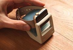 elago-mini-macintosh-support-apple-watch-w43.jpg