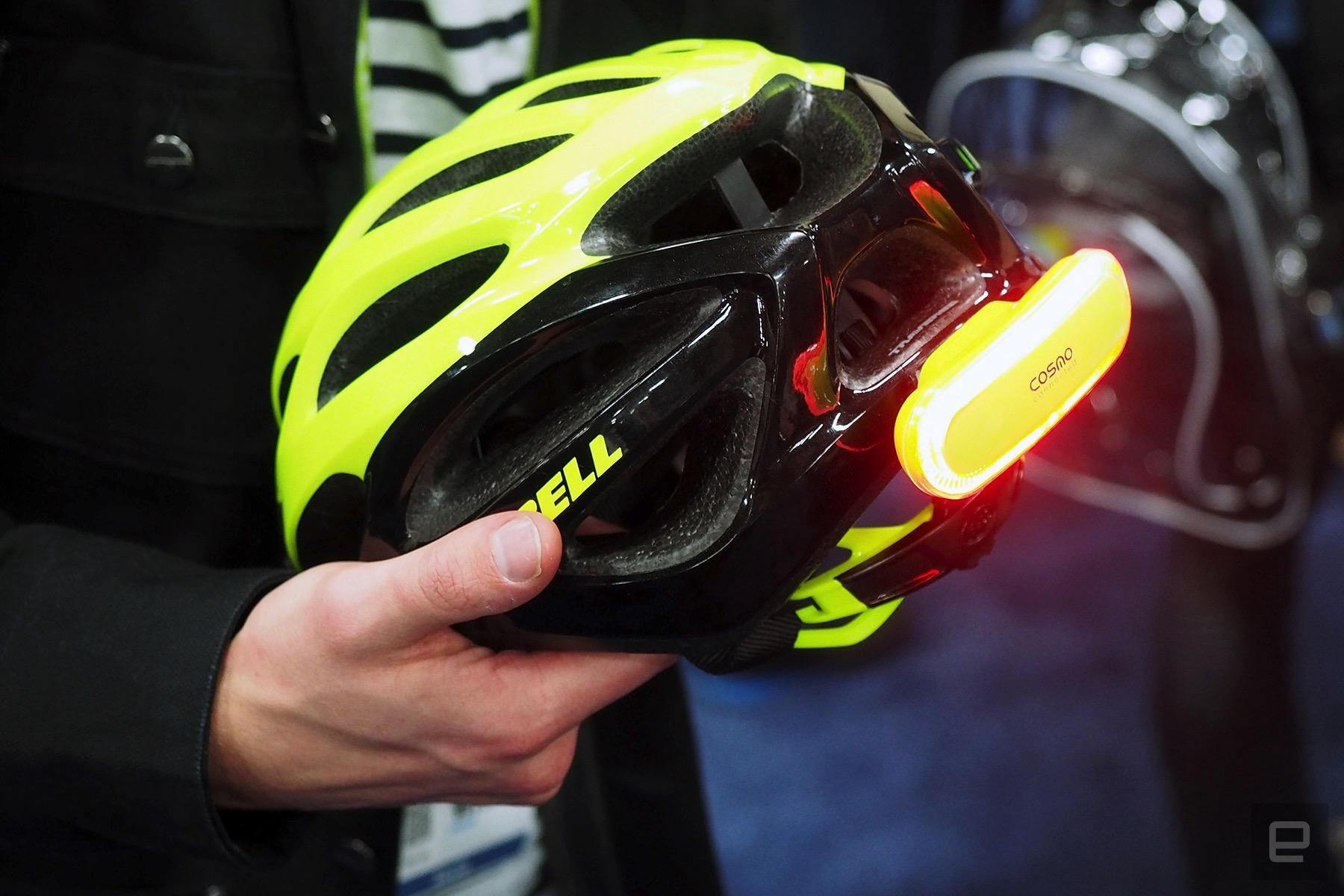 s curit v lo l 39 indicateur lumineux connect pour casque de cycliste signale changement de. Black Bedroom Furniture Sets. Home Design Ideas