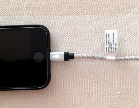 test-cable-iphone-ipad-axxbiz-5.jpg