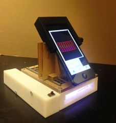 labo-mobile-detection-cancer-iphone-1.jpg