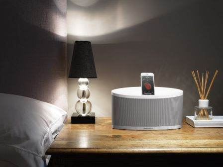 bowers_wilkins_z2_white_iphone5_bedside_table.jpg