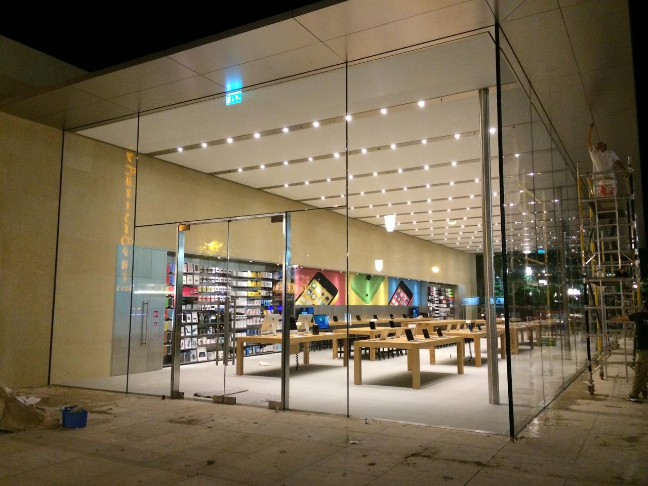 l 39 apple store d 39 aix en provence se d voile en photos la. Black Bedroom Furniture Sets. Home Design Ideas