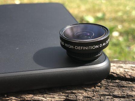 Apple imagine un système intégré pour adapter des objectifs photos sur l'iPhone 3