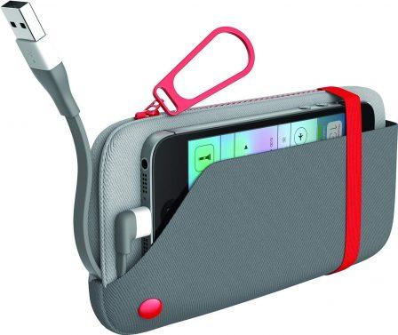 12 batteries avec câble ou prise iPhone intégré, faciles à ranger dans la poche ou le sac (MàJ) 9