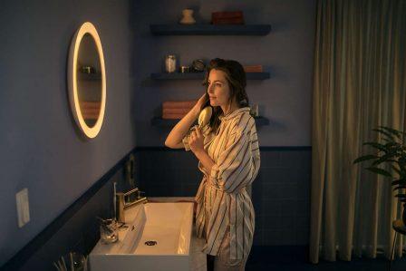 La gamme de lampes connectées Hue de Philips s'enrichit d'un miroir de salle de bain 2