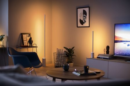 Philips ambiance le salon avec de nouvelles lampes connectées: Hue Signe et Play 2