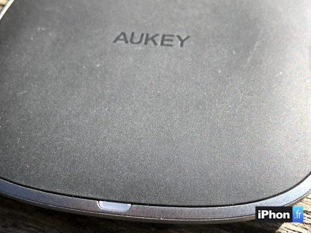En promo flash courte / Test du chargeur sans-fil de Aukey: la recharge iPhone discrète et élégante 6