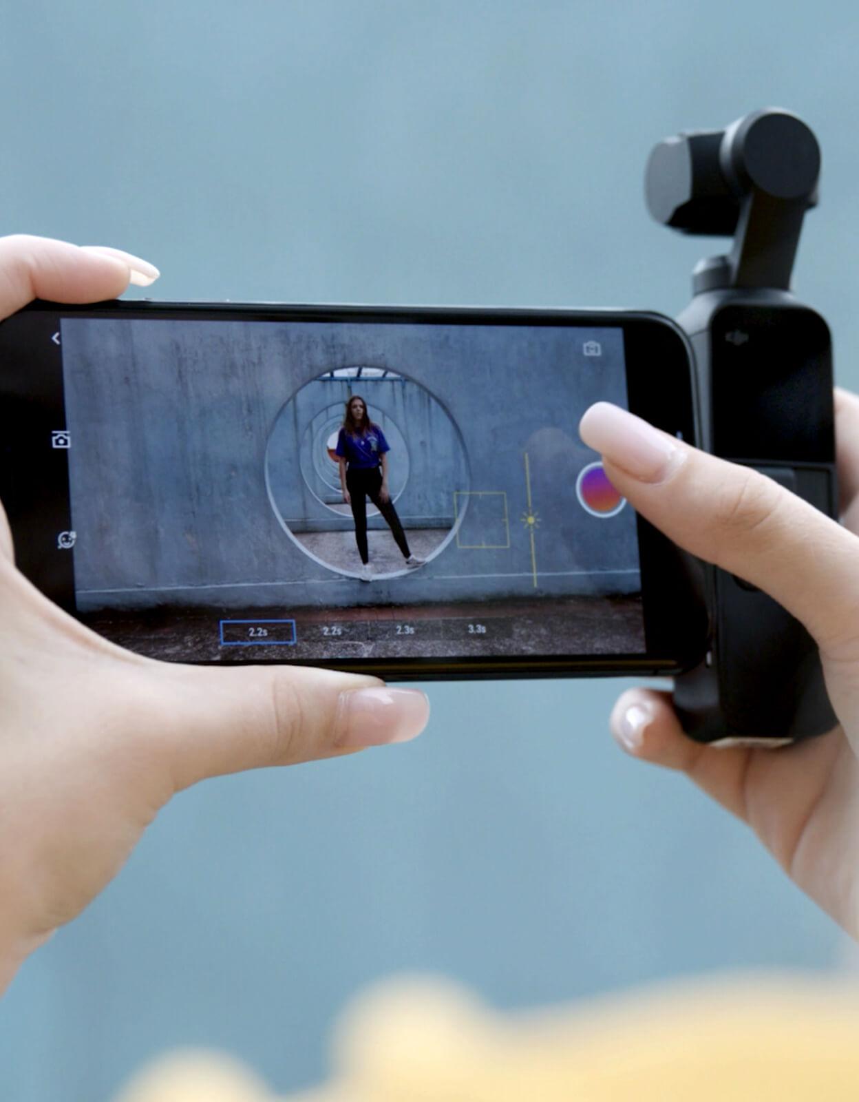fd10f1c18c391 Cela permet par exemple d utiliser l écran de l iPhone pour un plus grand  retour caméra