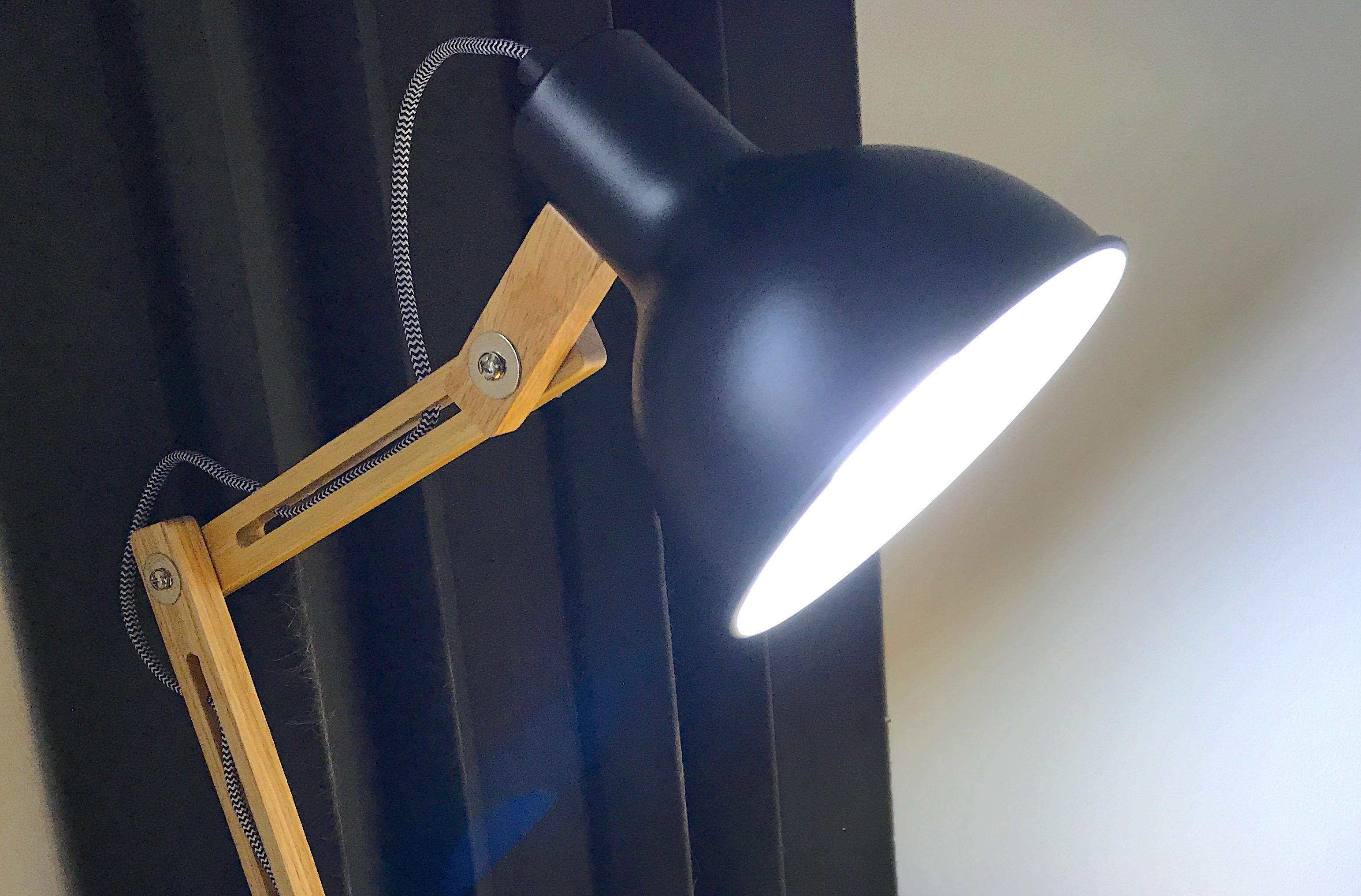 test de l 39 ampoule connect e vocolinc compatible homekit sans hub et enceintes intelligentes. Black Bedroom Furniture Sets. Home Design Ideas