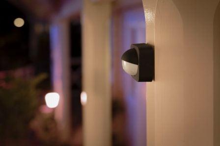 Capteur de mouvement et nouvelles lampes pour l'extérieur dans la gamme Philips Hue (Homekit) 2